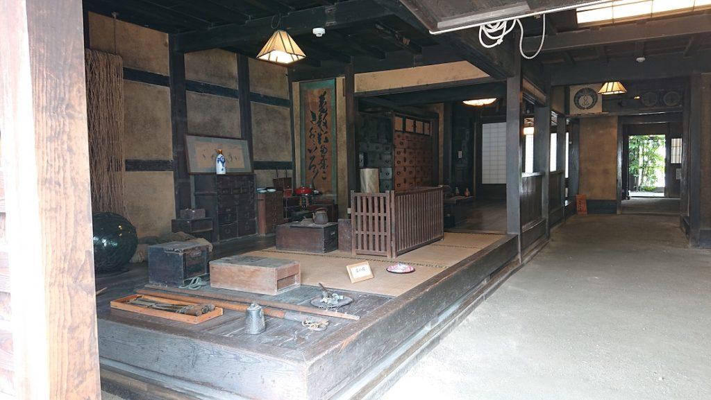 鞆の津の商家内部