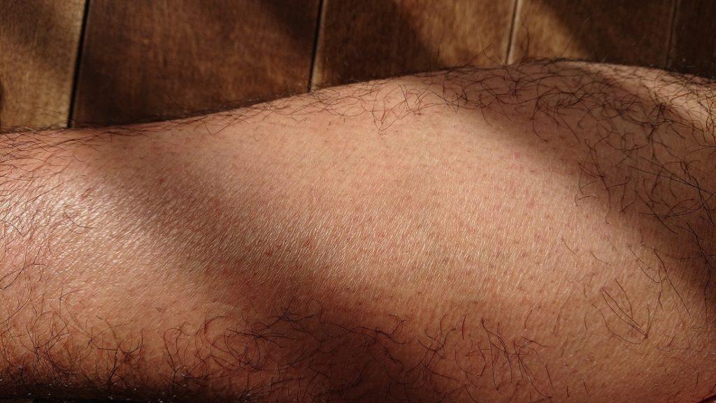 ケノン レーザー脱毛器使用の16週間後の足